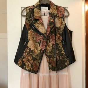 VINCE CAMUTO brocade and faux leather vest